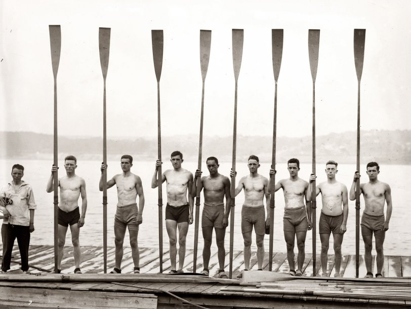 Syracuse 2d Varsity Crew: 1914
