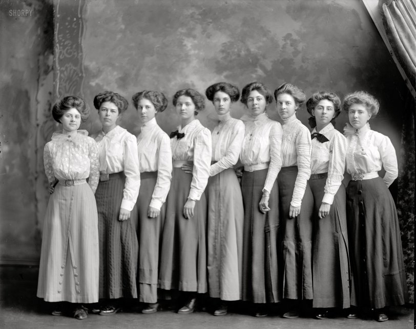Central Girls: 1910