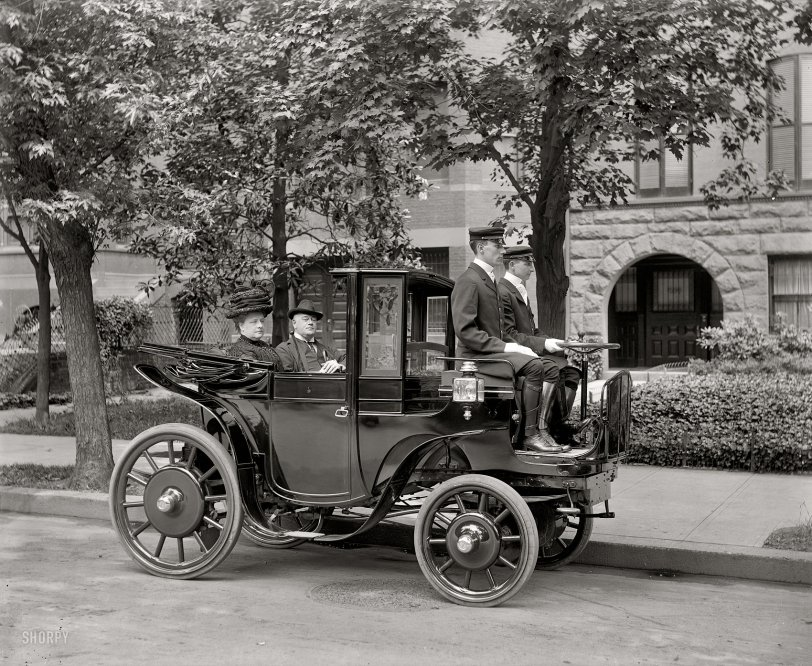Horseless Carriage: 1906