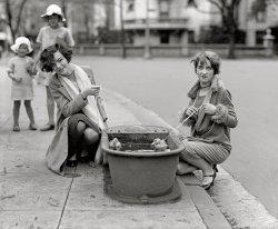 Lucky Ducks: 1927