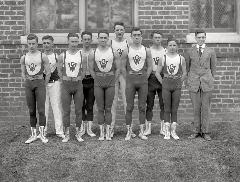 Men in Tights: 1910