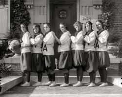 Holton-Arms Girls: 1925