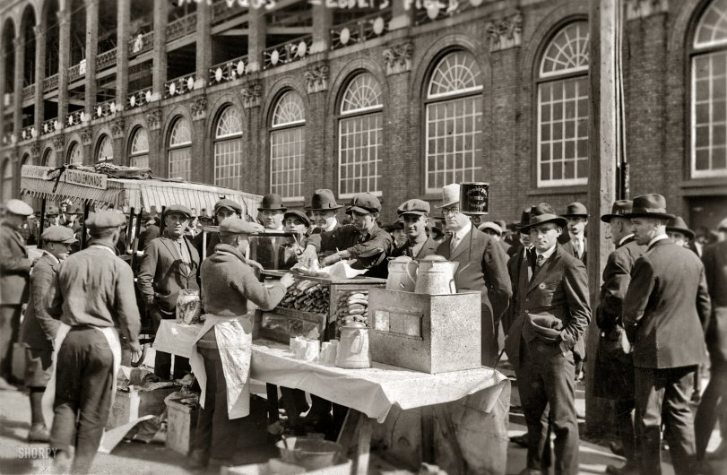 'Hot Dogs': 1920