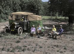 Auto-Campers (Colorized): 1920