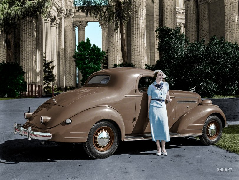 Palace of Pontiacs (Colorized): 1935