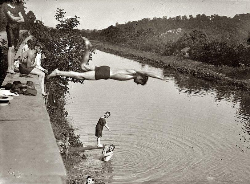 Edge: 1915