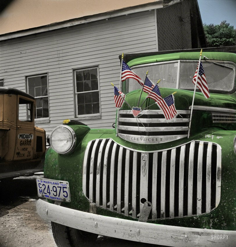Patriotruck (Colorized): 1942