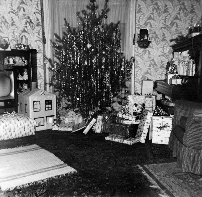 Christmas Living Room: 1958