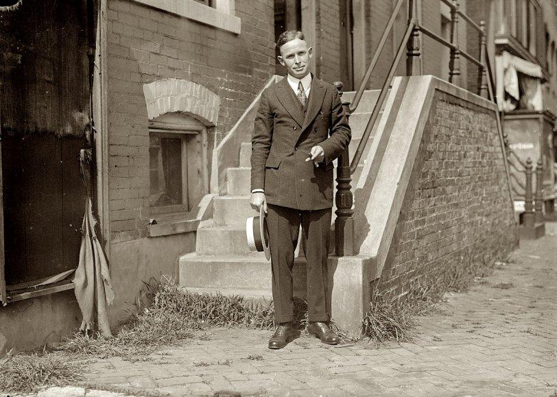 Lloyd Davis: 1913
