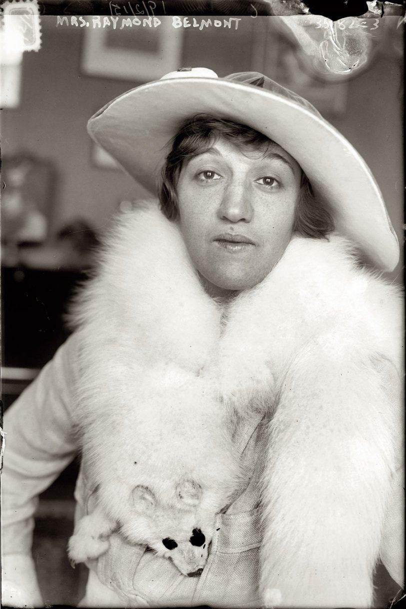 Foxy Lady: 1915