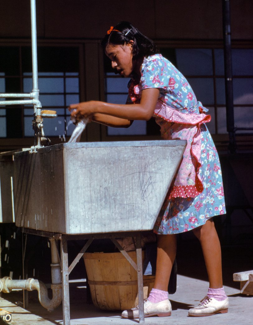 Washday: 1942