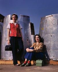 Nacelle Belles: 1942