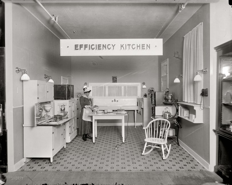 Efficiency Kitchen: 1917