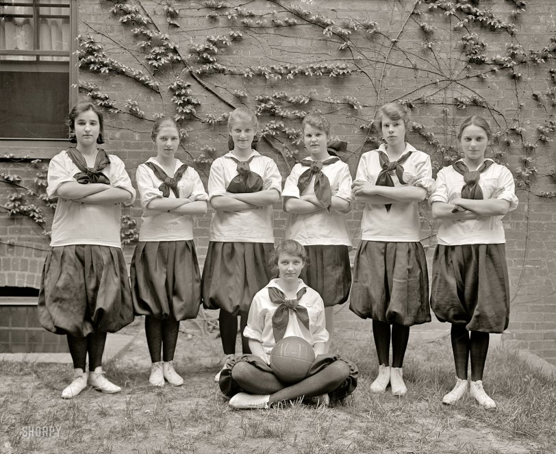 Girls' Hoops: 1917