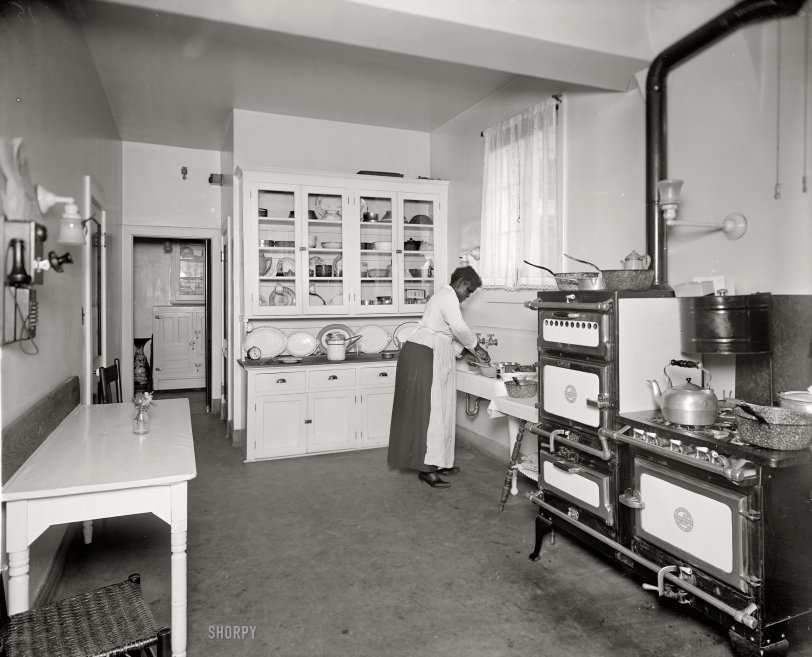 The Modern Kitchen: 1920