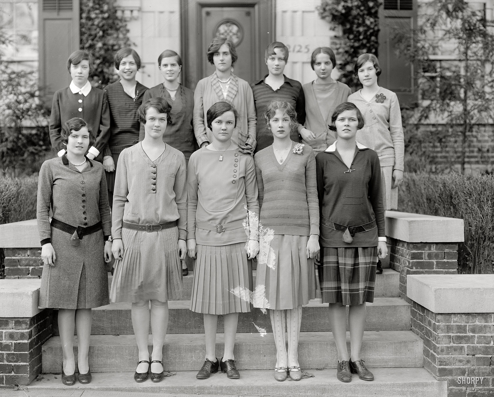 More Holton-Arms girls circa 1927 in Washington. Who'll be the first to put  a name to a face? Harris & Ewing glass negative.