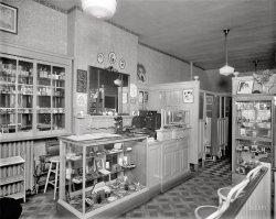 Beauty Parlor: 1928