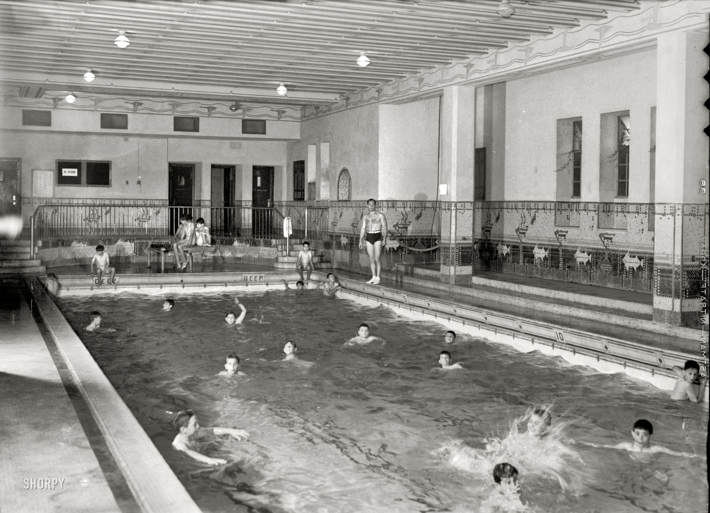 Shorpy Historical Picture Archive :: Natatorium: 1938 high