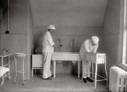 Scrub Sink: 1922