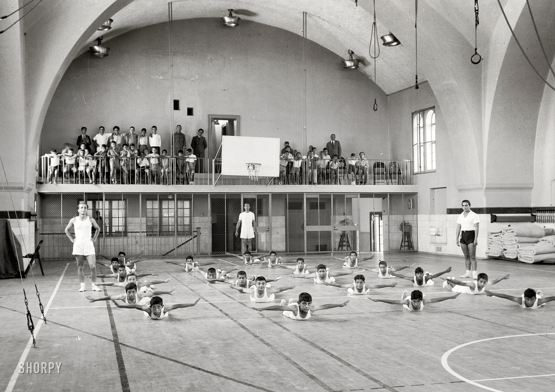 Shorpy Historical Picture Archive :: Boys Gym: 1939 high
