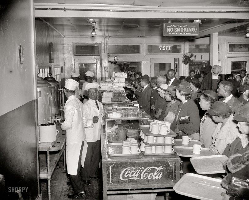 Happy News Cafe: 1937