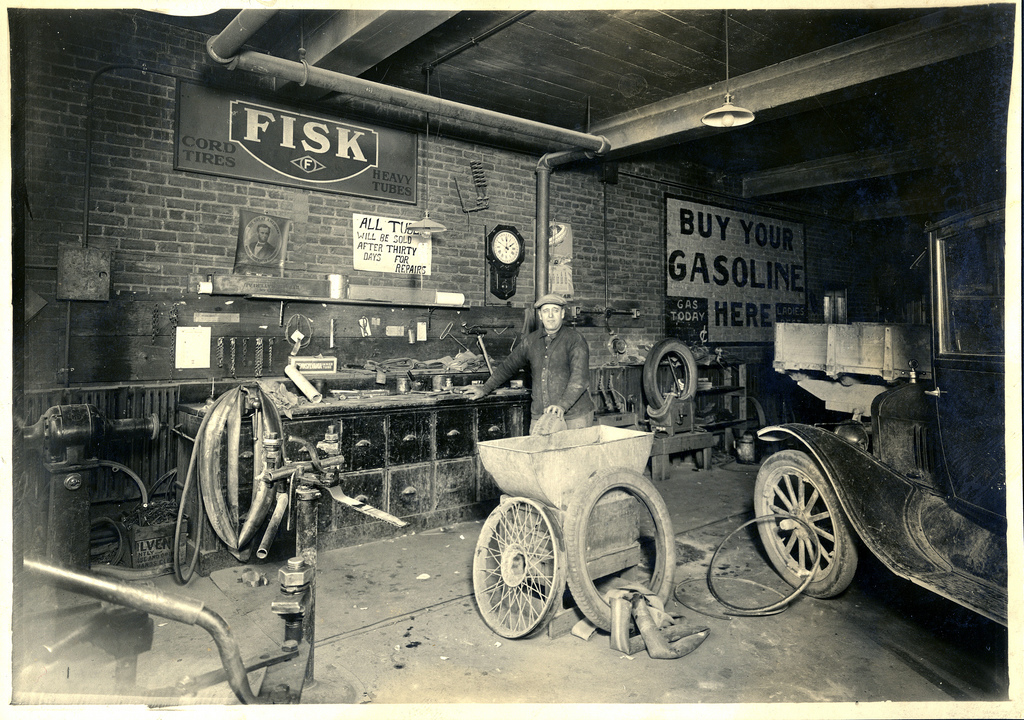Shorpy historic picture archive chas metzger 39 s garage for Garage auto 93
