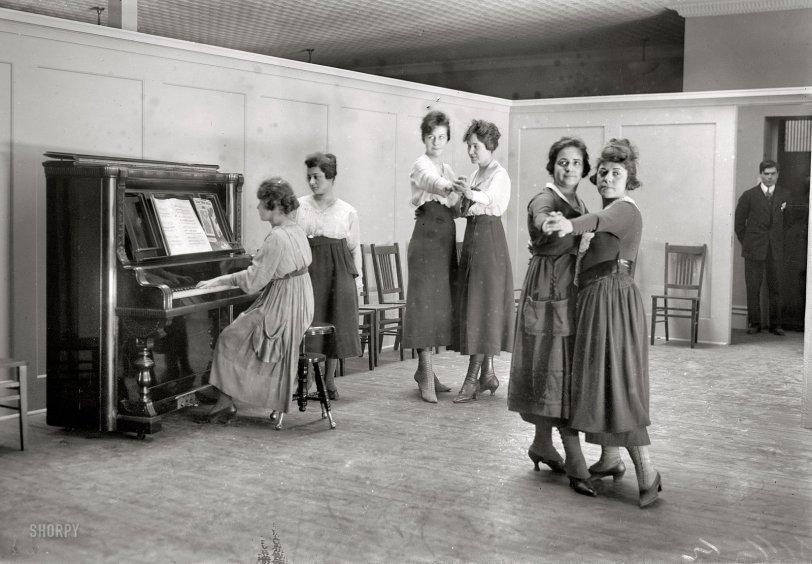 Ann Fulton Club: 1918