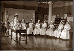 Anatomy Class: 1905