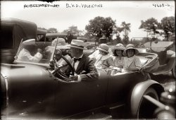 Family Outing: 1918