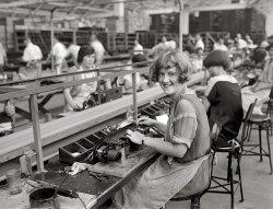 Mary Makes a Radio: 1925