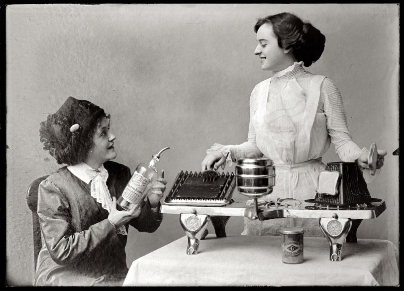 The Housewife's Friend: 1915