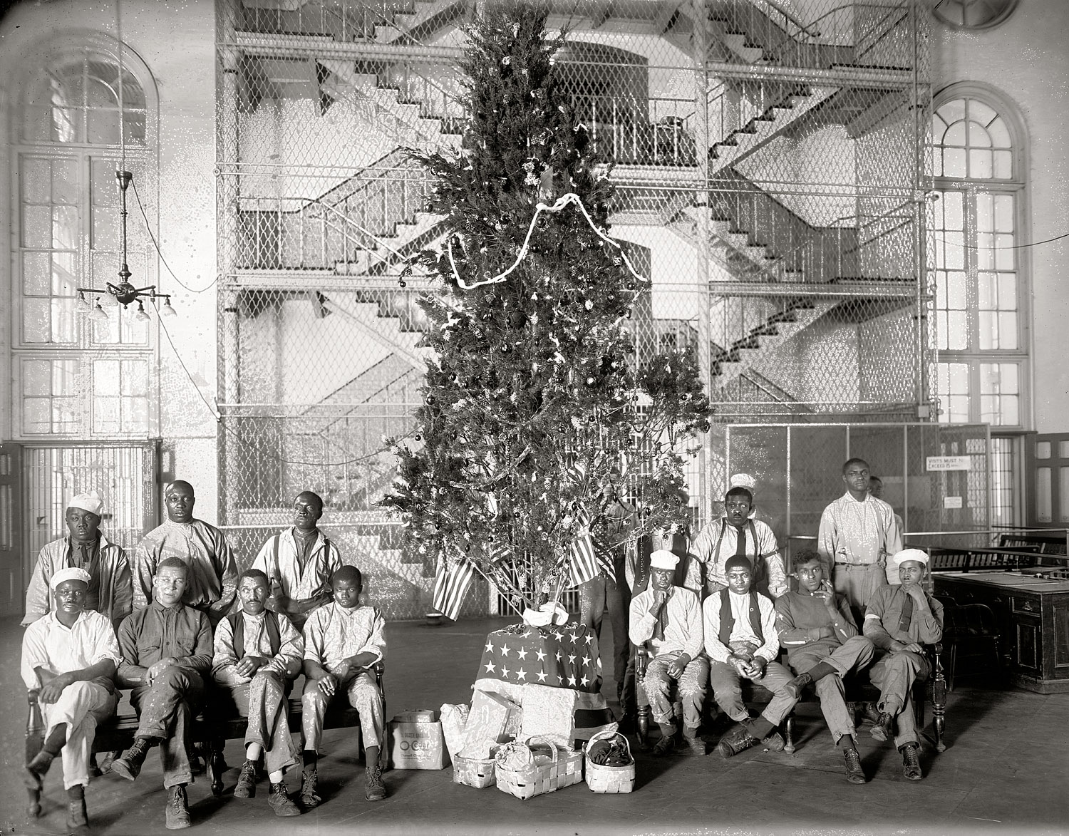 Shorpy Historic Picture Archive :: A Captive Christmas ...