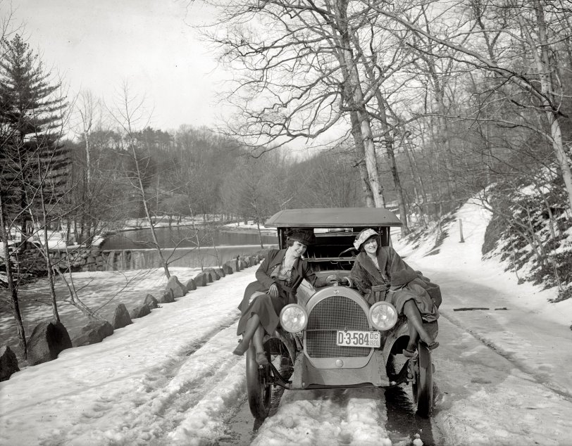 Hood Ornaments: 1920