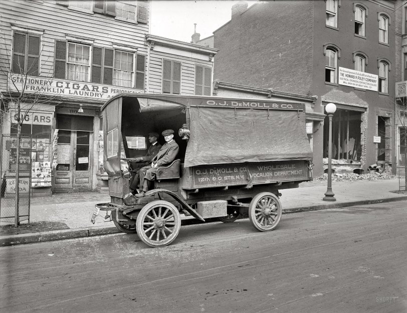 Saucy Stories: 1920