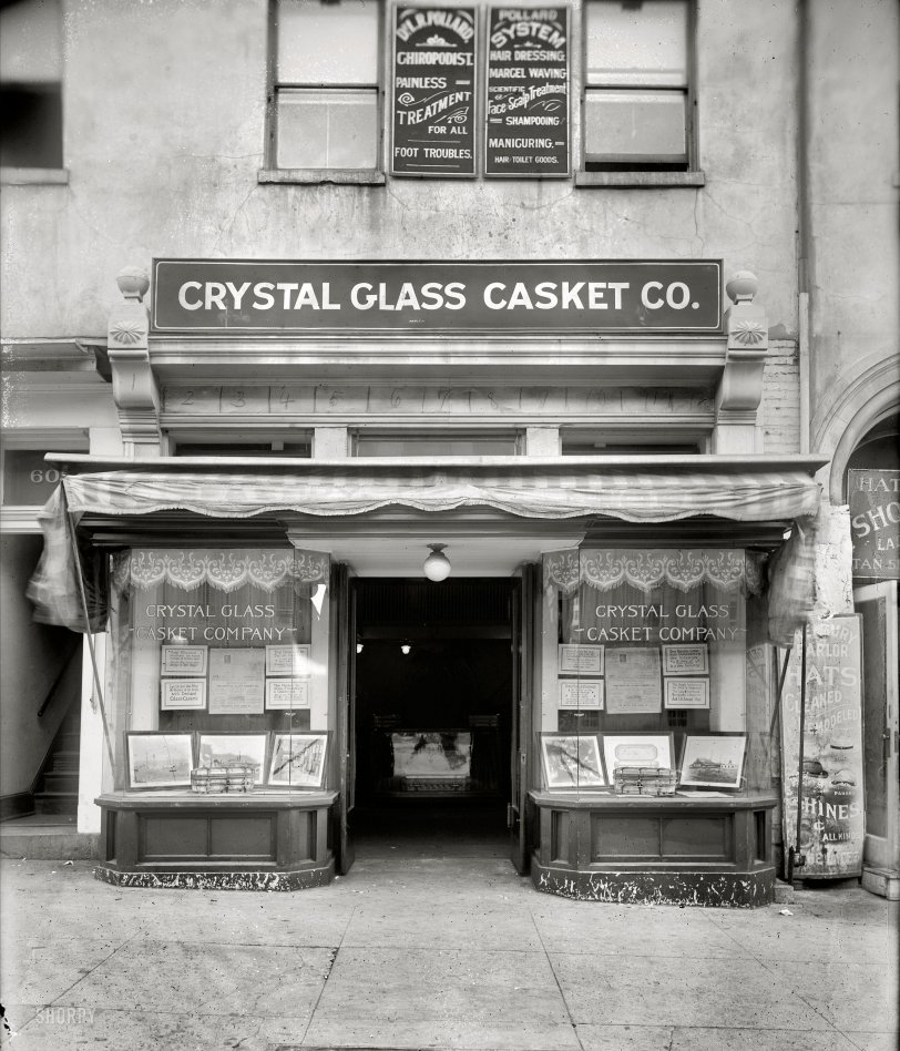 Crystal Glass Casket: 1920
