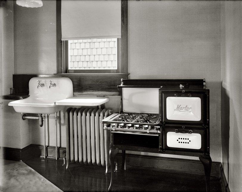 Dream Kitchen: 1920