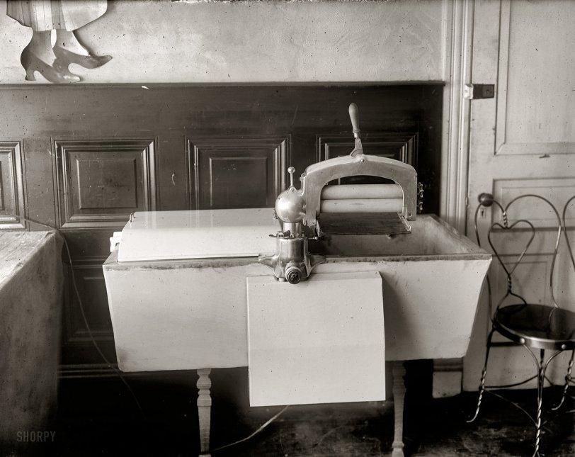 Dead Wringer: 1920
