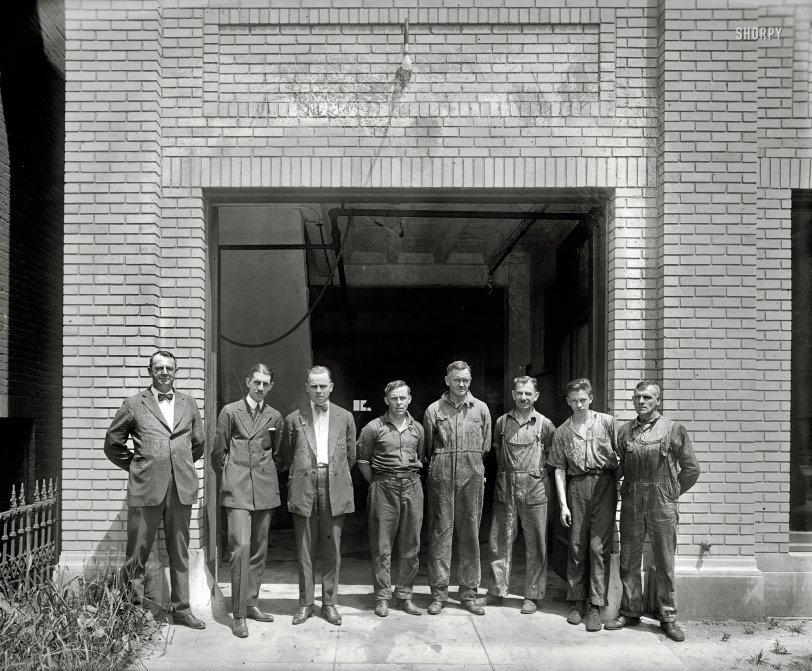 Smith Garage: 1920