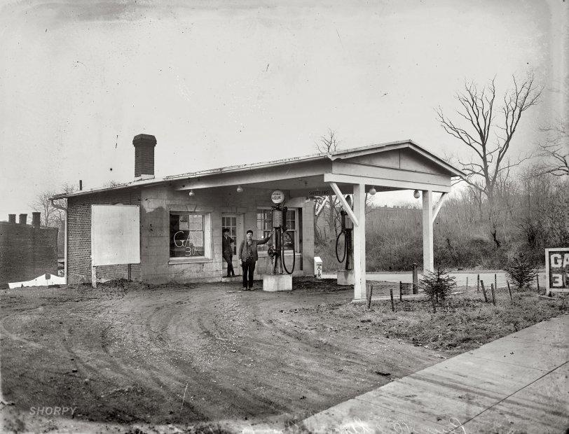 Q Street Gas: 1920