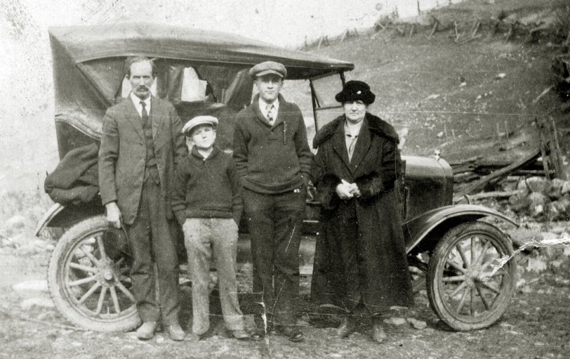 Campbell Family and Car: 1934