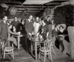 Boho Wedding: 1922