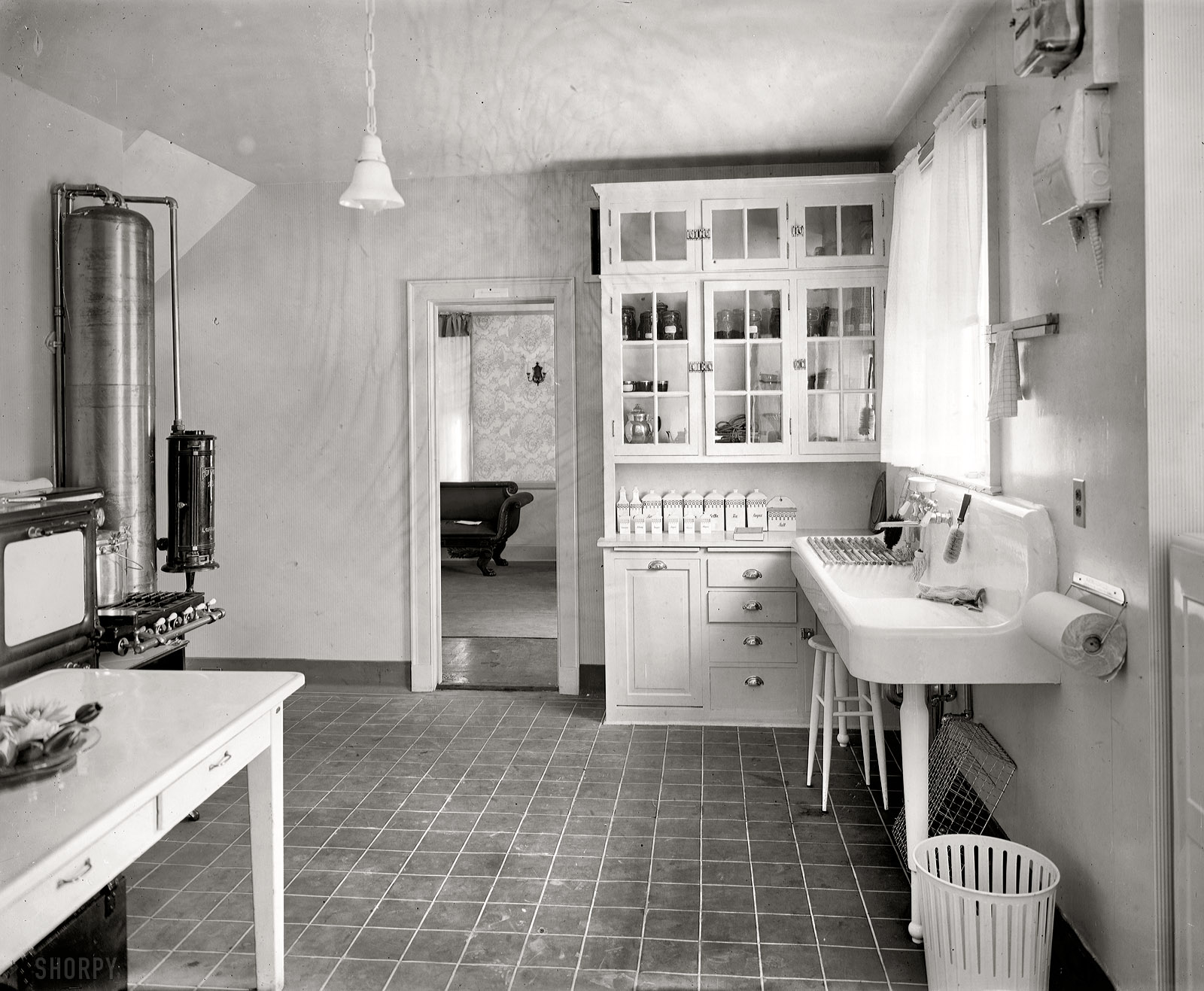 Shorpy historic picture archive restoration hardware for Bathroom ideas 1920s home