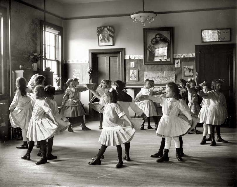 Tiny Dancers: 1919
