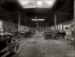 Hackett Garage: 1916
