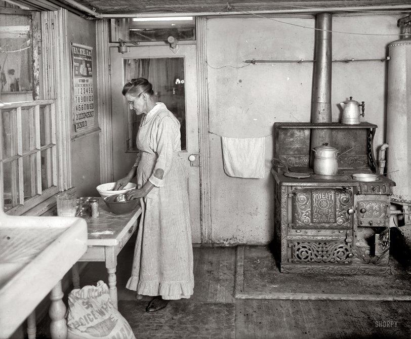 Mrs. B. Bakes: 1917