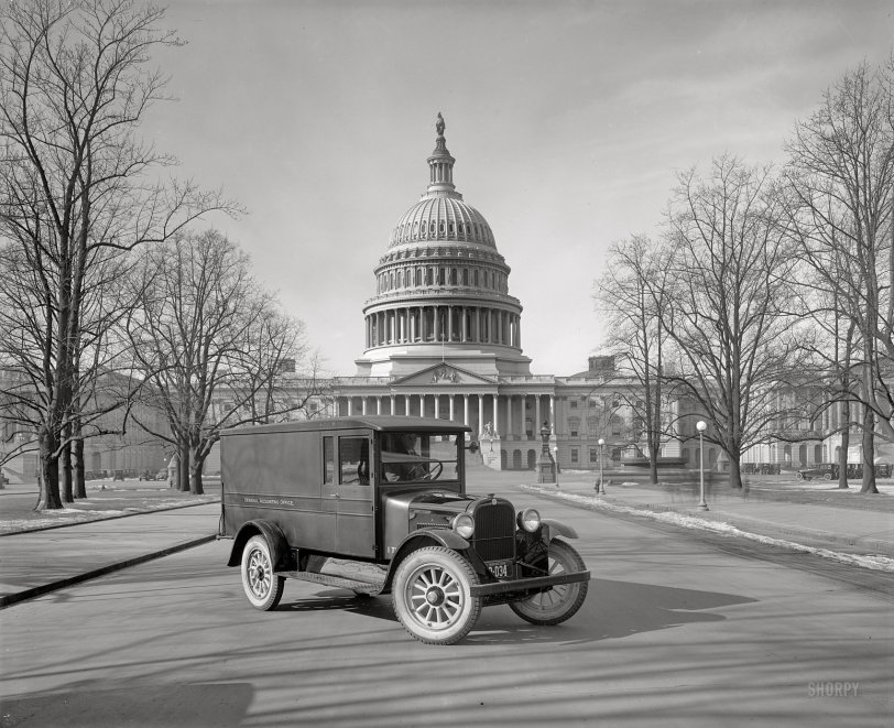 Government Truck: 1925