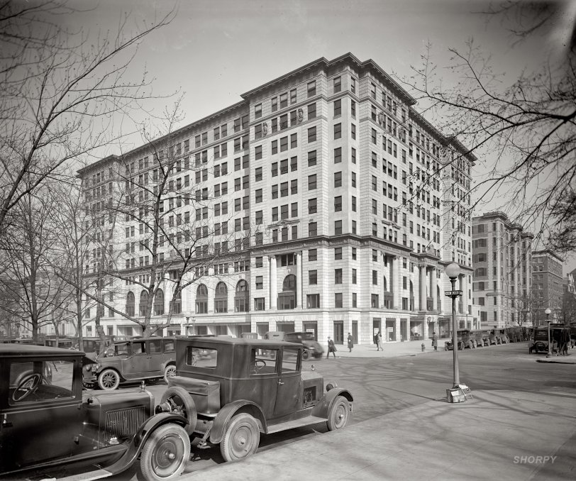 Investment Building: 1925