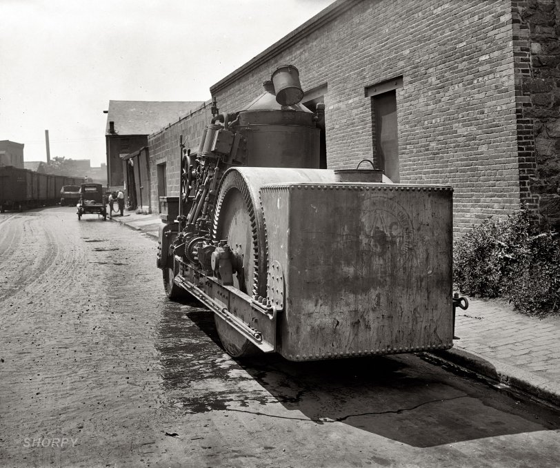 Road Locomotive: 1925