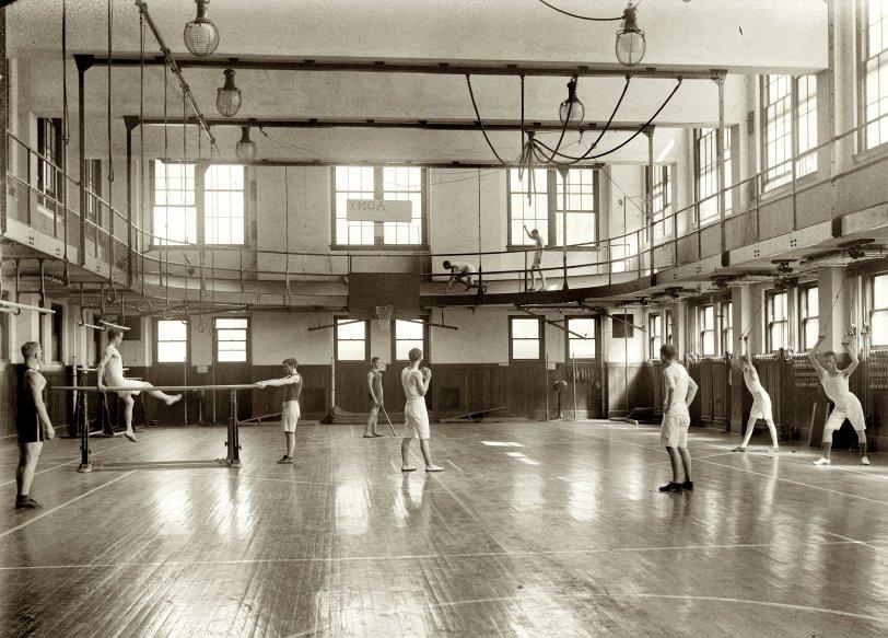 Gym Rats: 1920