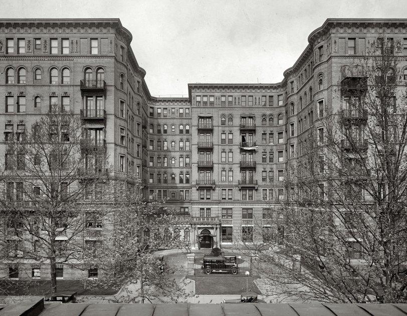Stoneleigh Court: 1925